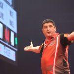 Dubbel 14 helpt Mensur Suljovic aan overwinning tegen Van Barneveld