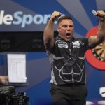 Gerwyn Price verslaat Van Gerwen voor eerste keer en bereikt wederom de finale